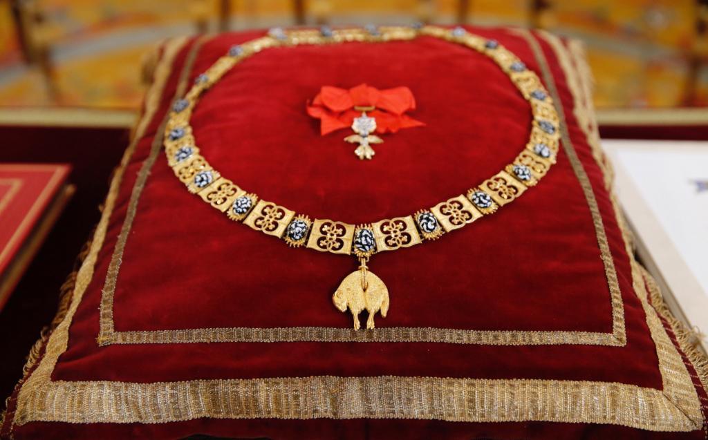 Detalle del Collar del Toisón de Oro que Felipe VI va impuso ayer a...