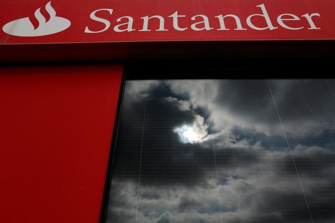 Sucursal del banco Santander en Sevilla.