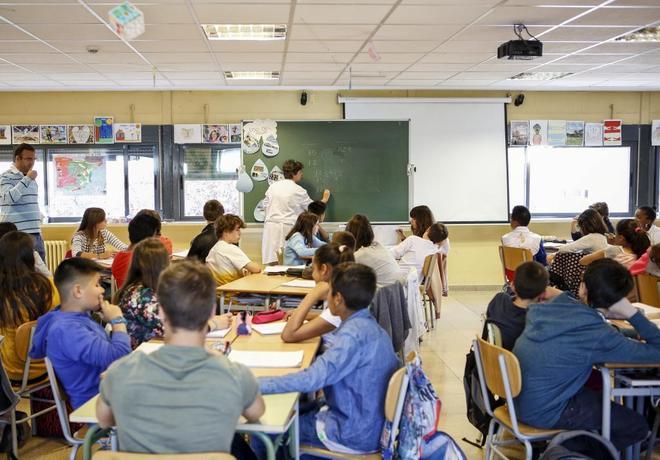 La disciplina mejora los resultados académicos más que el número de alumnos por aula