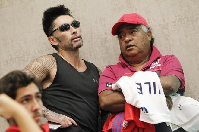 Marcelo Ríos (i), este jueves, durante el sorteo de los partidos de...