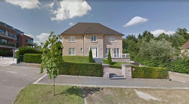 Imagen de la casa alquilada por Puigdemont en Waterloo, según...