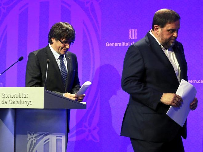 Carles Puigdemont y Oriol Junqueras, tras la rueda de prensa del 9-N.