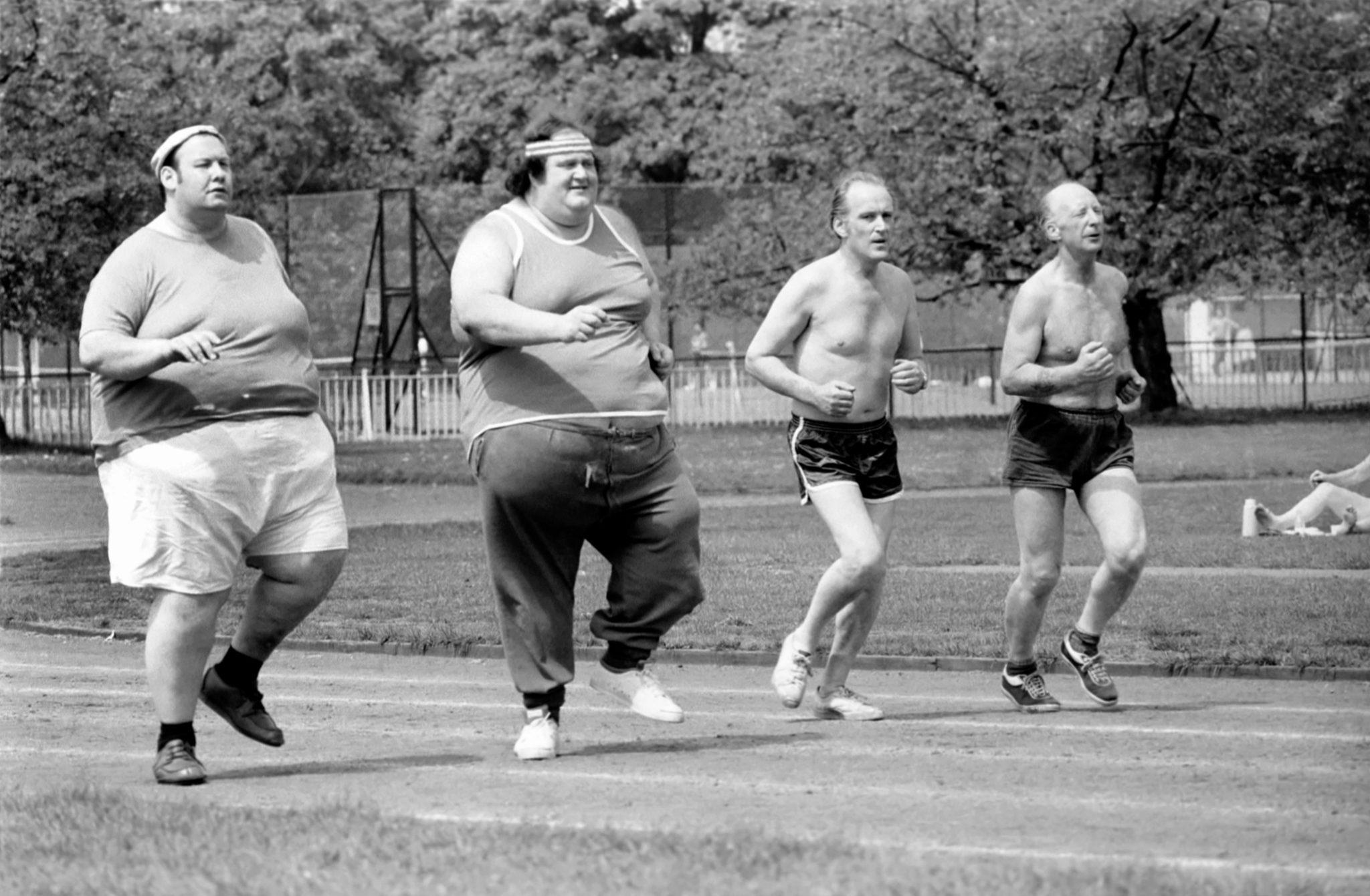 Un grupo de corredores en Battersea Park (Londres).