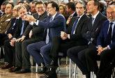 El presidente del Gobierno bromea con Ximo Puig en el aniversario del...