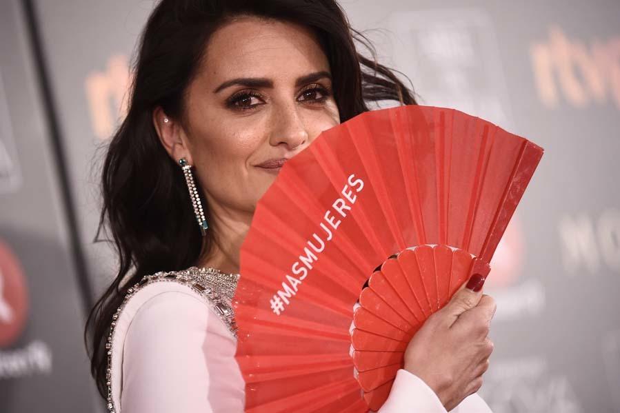 La actriz ha querido unirse a la reivindicación de CIMA y ha posado...