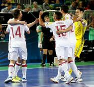 Los jugadores españoles celebran el gol ante Azerbaiyán en el Europeo de fútbol sala.
