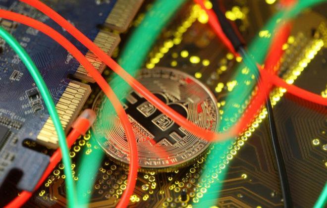 Lloyds prohíbe a su clientes comprar bitcoins con sus tarjetas de crédito