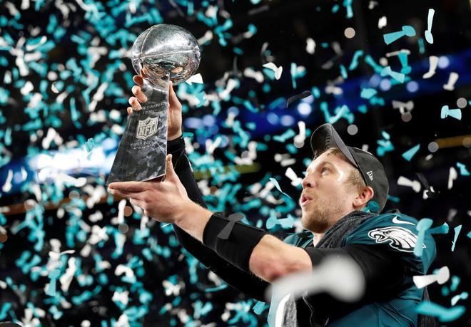 Nick Foles celebrando el título de la Super Bowl 2018.