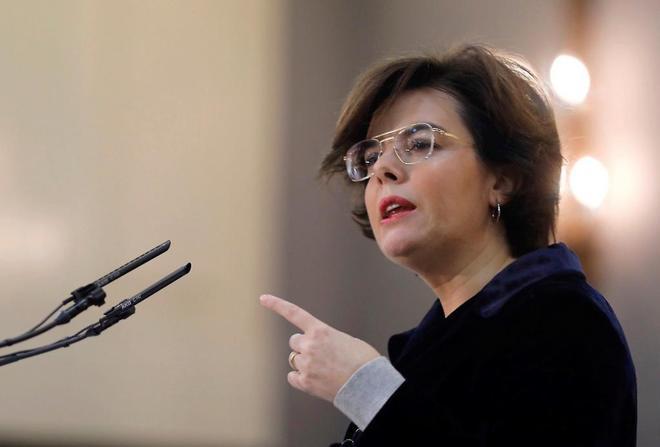 La vicepresidenta del Gobierno, Soraya Sáenz de Santamaría, en un...