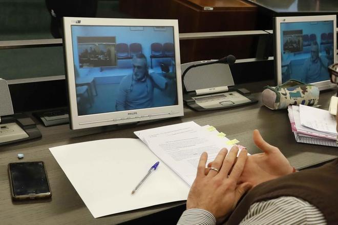 Imagen de uno de los monitores de la sala de prensa del Congreso de...