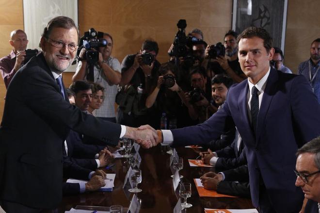 Mariano Rajoy y Albert Rivera, en una de las reuniones entre PP y...