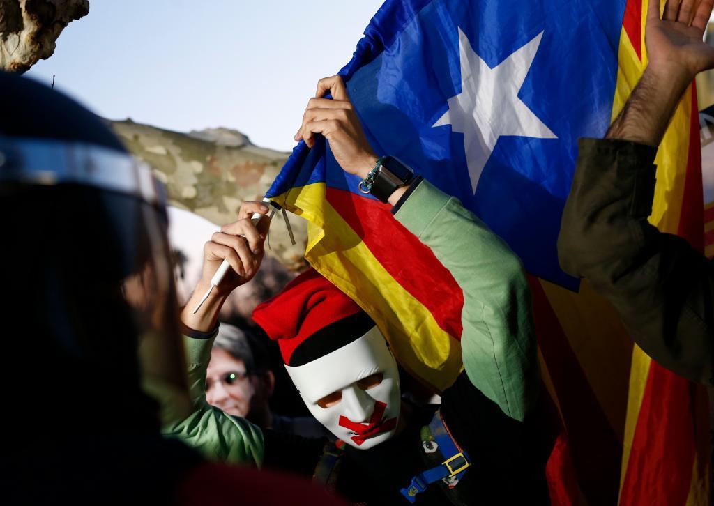Un independentista catalán, con la bandera estelada.