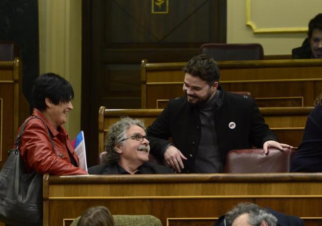 Los diputados de ERC, Joan Tardà y Gabriel Rufián, en el Congreso de los Diputados