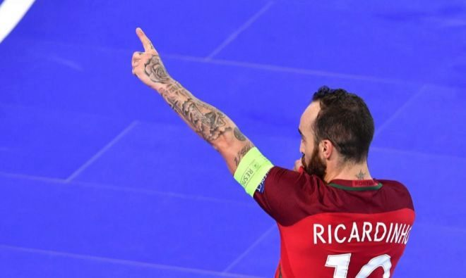 Ricardinho, durante el partido contra Azebayán.