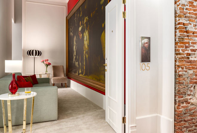 El hotel de msterdam que escondi 100 a os la obra for Hoteles en el centro de amsterdam