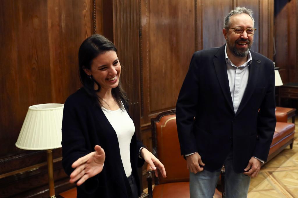 Irene Montero y Juan Carlos Girauta, esta mañana en el Congreso.