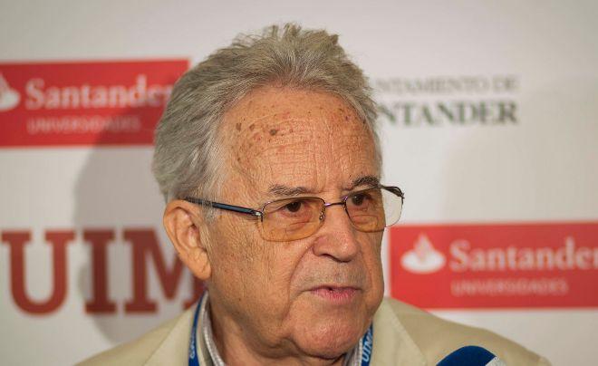 Santos Juliá gana el Premio Francisco Umbral