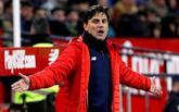 Vincenzo Montella, entrenador del Sevilla, durante el partido entre su...