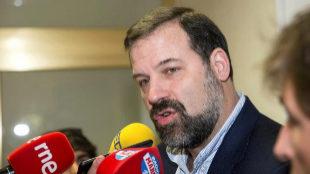 Alfonso Reyes, presidente de la ABP, al finalizar la reunión entre la...