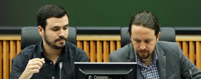 Alberto Garzón y Pablo Iglesias, en un acto conjunto en el Congreso...