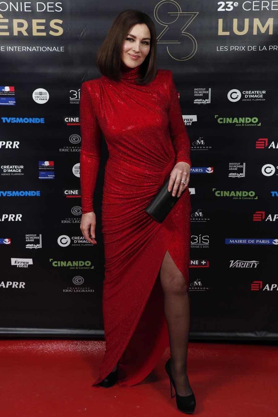 Mejor vestidas de la semana monica bellucci de alexandre vauthier yodona moda el mundo - Porno diva italiana ...