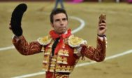 Miguel Ángel León cortó una oreja a cada toro de su lote en la tarde de su alternativa