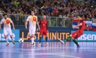 Coelho, en el gol que dio el título a Portugal.