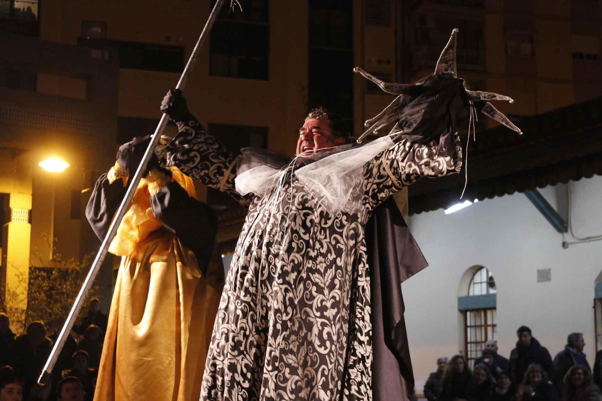 Lágrimas de ironía 'entierran' el Carnaval del Grao de Castellón