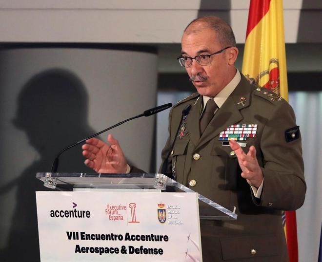 El jefe del Estado Mayor de la Defensa, Fernando Alejandre, durante su...