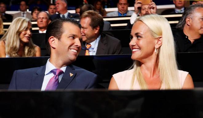 Vanessa Trump y su marido, Donald Trump Jr., en un acto oficial.