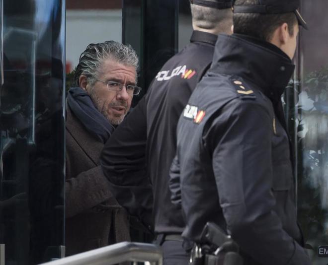 Francisco Granados, a su salida ayer de la Audiencia Nacional tras su...