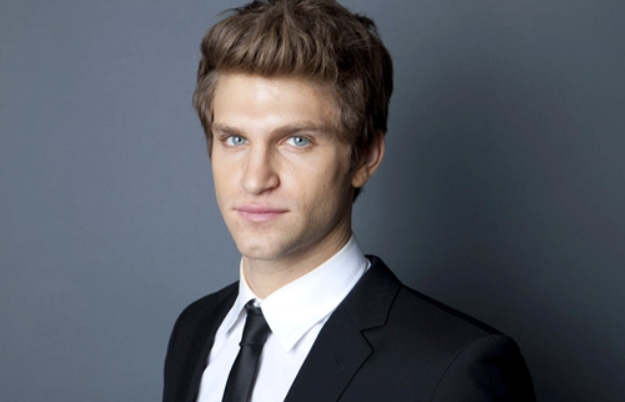 Keegan Allen - 'Pretty Little Liars' - Toby: Este es el ...