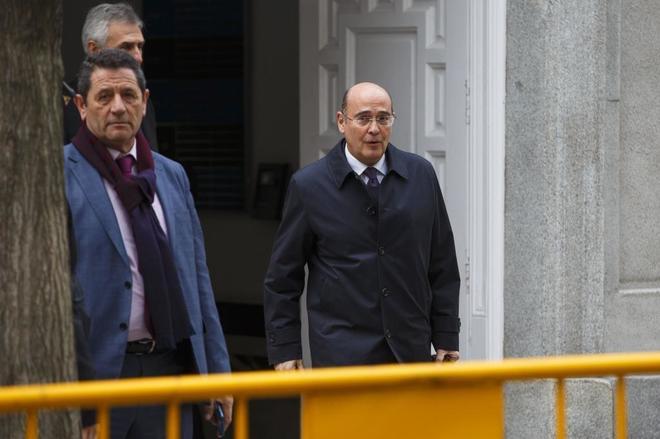 El coronel Diego Pérez de los Cobos, a su salida del Tribunal Supremo...
