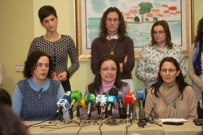 """Las defensoras de la 'secta' de los Miguelianos dan la cara: """"Jamás abusó de mí sexualmente"""""""