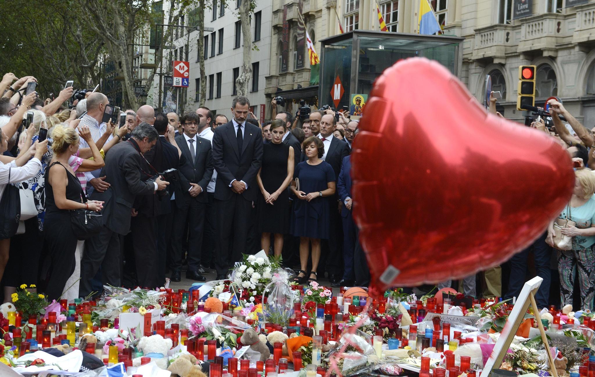 El Soberanismo Politiza Los Atentados De Barcelona Y Cambrils Cataluña