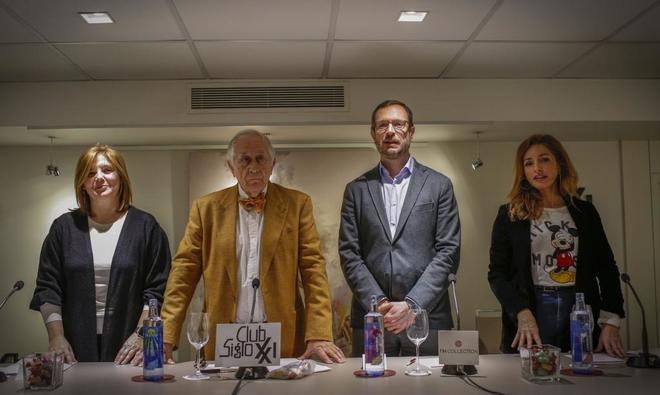 De izqda. a dcha., Pilar Cancela, Inocencio Arias, Javier Maroto y...