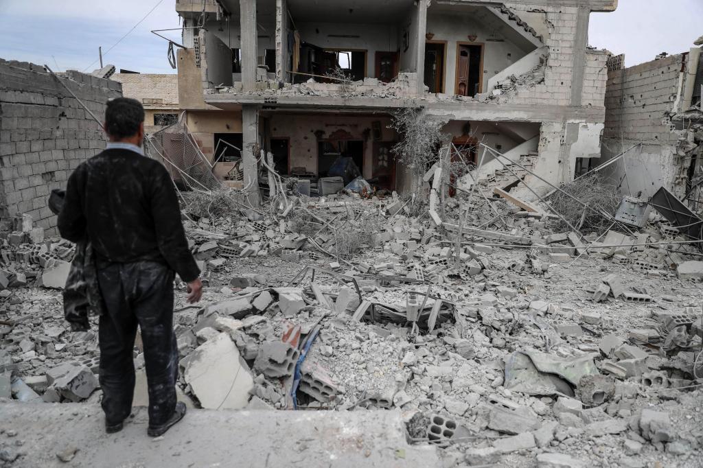 Los bombardeos del régimen contra el bastión rebelde de Guta...
