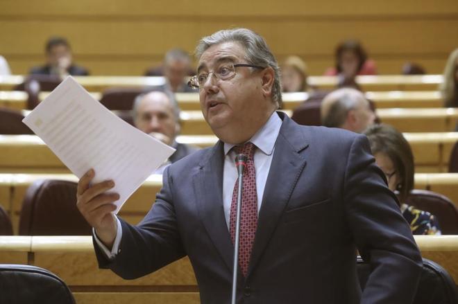 El ministro del Interior, Juan Ignacio Zoido, durante la sesión de...