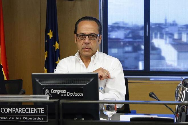 Álvaro Pérez, 'El Bigotes', ayer en la comisión sobre la presunta financiación irregular del PP en el Congreso.