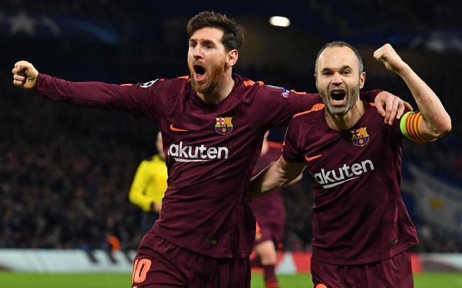 Leo Messi y Andrés Iniesta, en la celebración del tanto del empate...