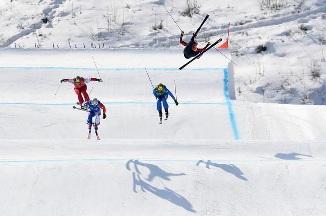Christopher Delbosco, en el salto donde perdió el control y sufrió la lesión.