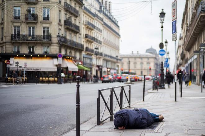 El primer censo de los 'sin techo' en París: 3.000 personas viven en la calle