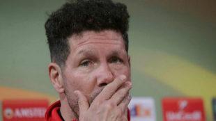 El entrenador del Atlético de Madrid, el argentino Diego Simeone,...