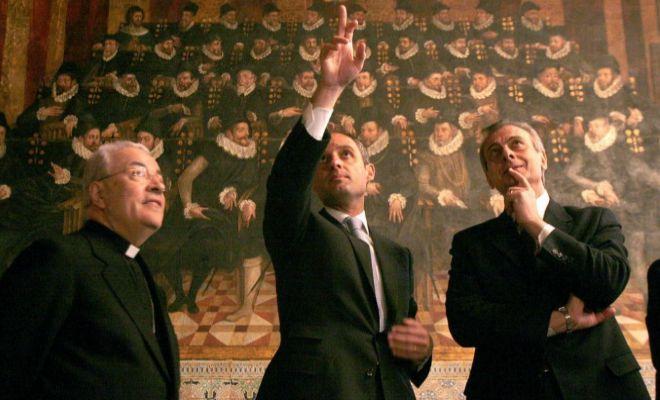 El ex presidente de la Generalitat (c) junto al ex Nuncio Apostólico en España y el encargado de viajes del Papa, para preparar la visita de Benedicto XVI.