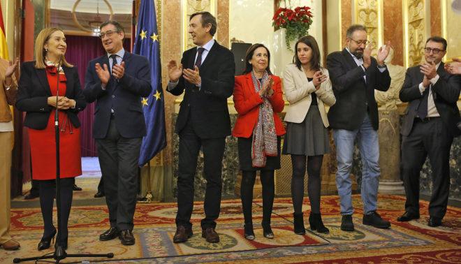 Ana Pastor, con Ignacio Prendes y los portavoces de los partidos:...