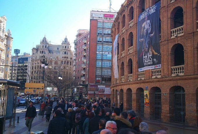 Los aficionados valencianos esperan la llegada de las Fallas
