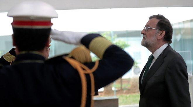 El presidente del Gobierno español, Mariano Rajoy, ayer, durante la ofrenda en el Museo Nacional del Bardo.