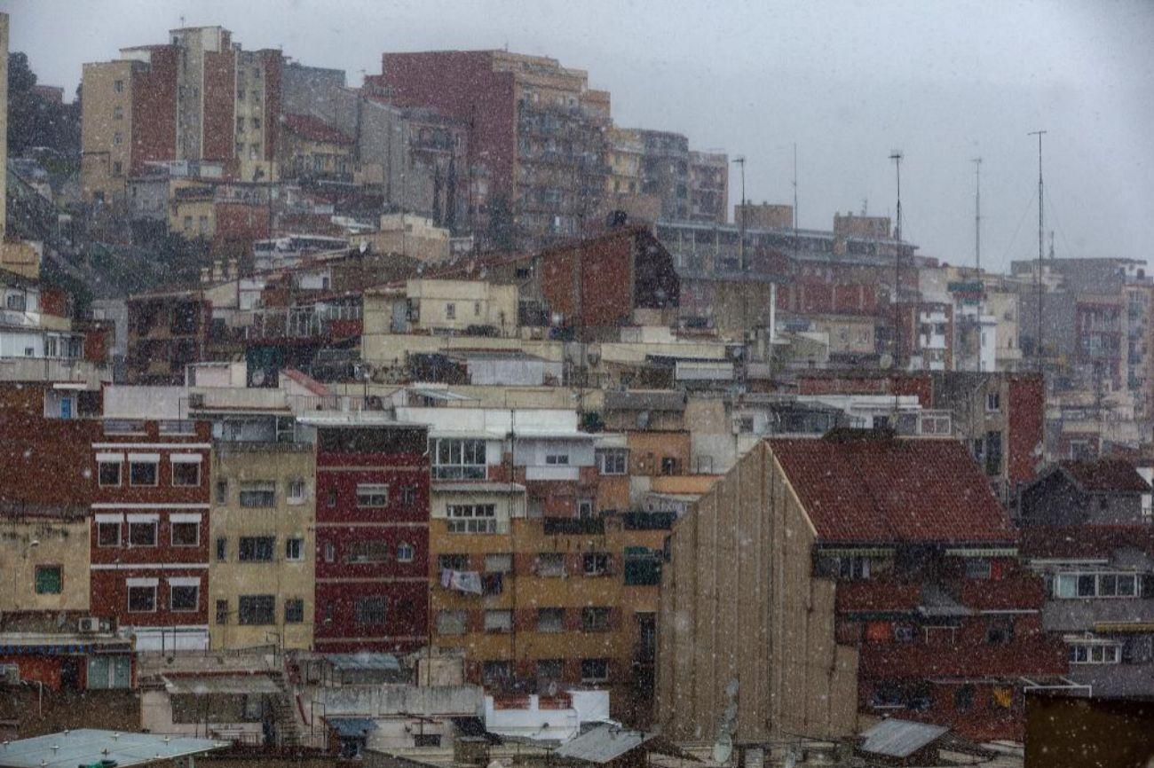 Nieva En El Barrio Del Carmel Barcelona Espana El Mundo