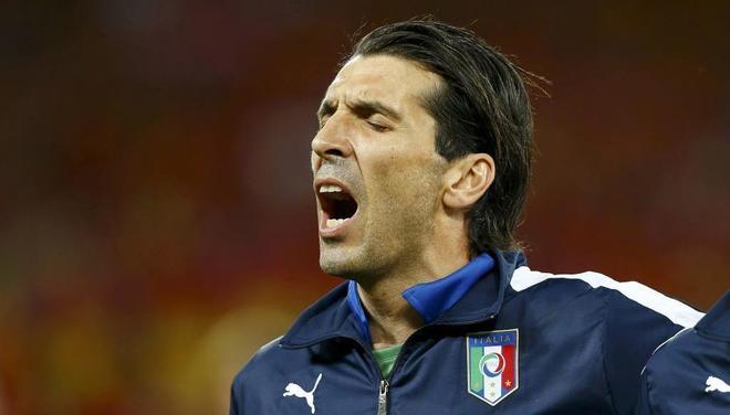 El guardameta italiano, con la selección, en la Euro 2012.