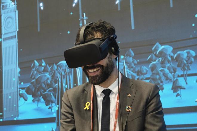 El presidente del Parlament Roger Torrent visita el Mobile World Congres
